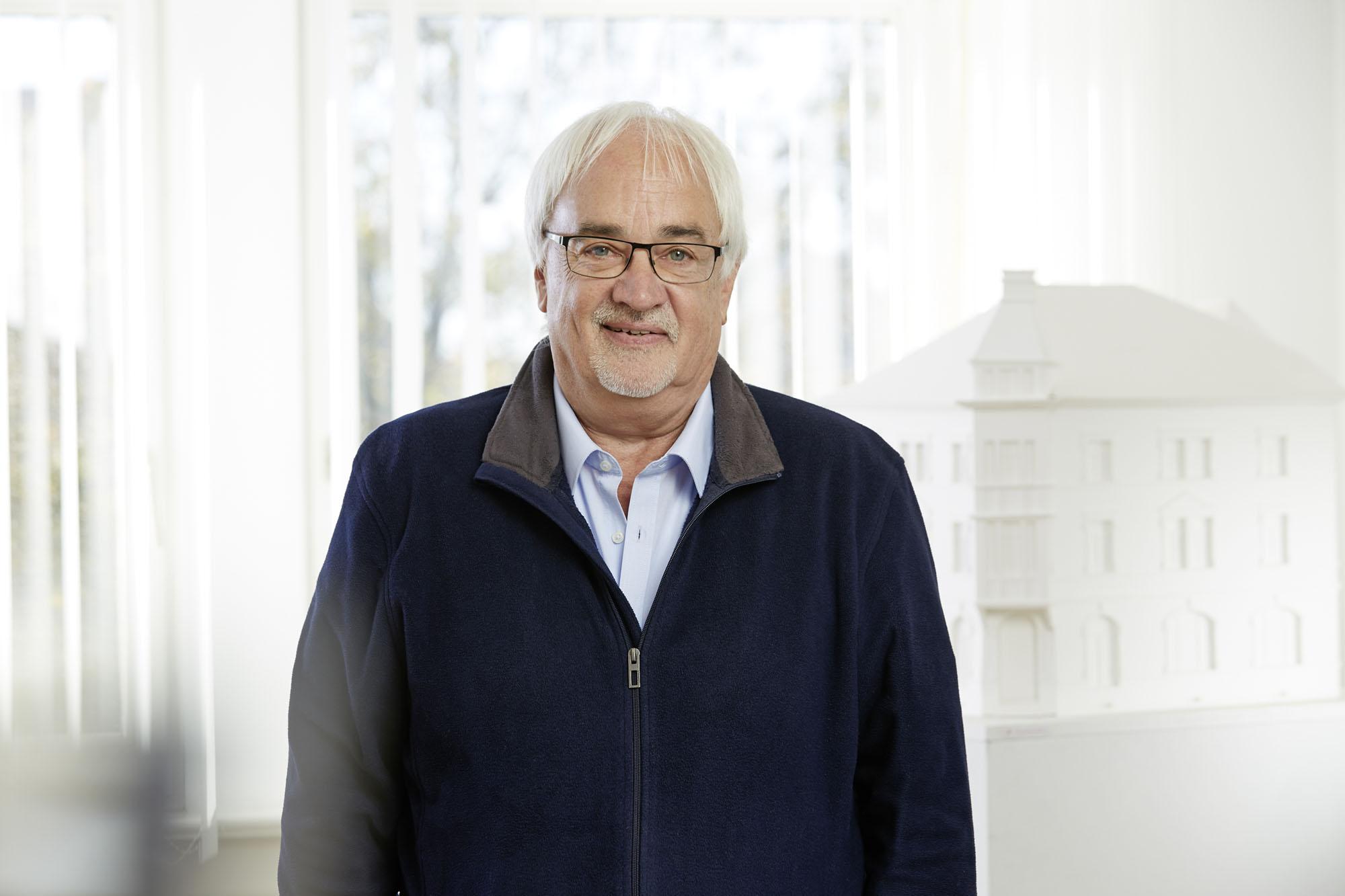 Dieter Schmitt